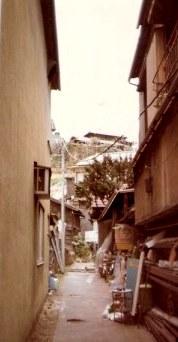 Alleyway beside shops – Tokyo