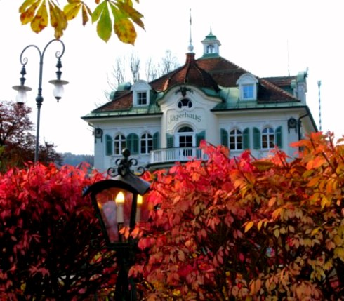 Autumn-colours-Jagerhaus-Hohenschwangau-Bavaria