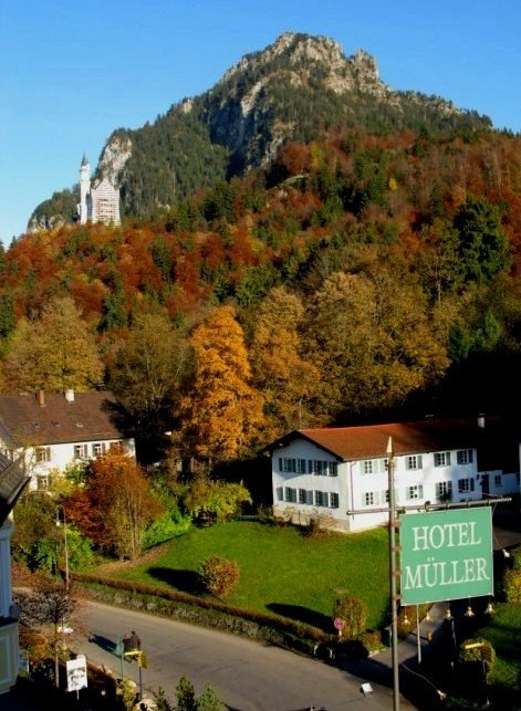 Autumn view of Neuschwanstein Castle from Hotel Müller