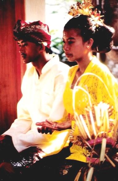 Bali village wedding bride and groom