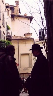 Bergamo Alta shadowy men