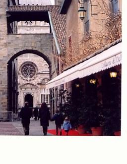 Bergamo Alta arch to Colleoni Chapel