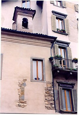 Bergamo Alta pink villa
