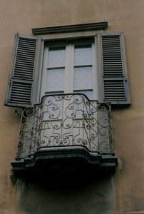 Bergamo Alta tiny balcony