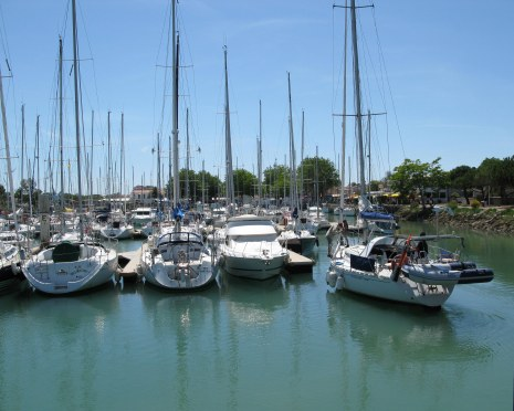 Boyardville Île d'Oléron yacht docking
