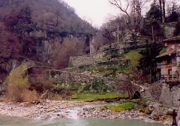 Brembilla Valley Zig Zag path