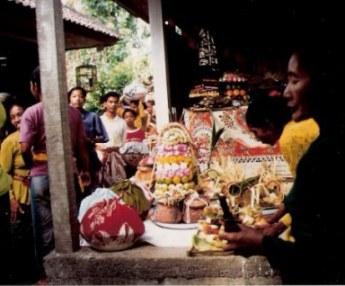 Bringing of wedding gifts in Bali village