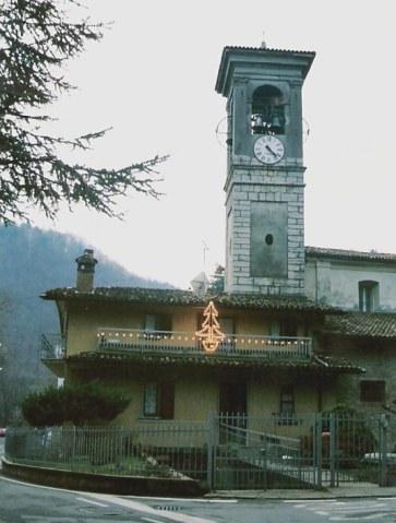 Castello di Clanezzo roadside bell-tower