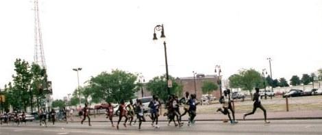 Champion runners in the New Orleans Gras Marathon