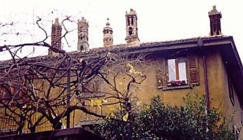 Chimney pots Castello di Clanezzo