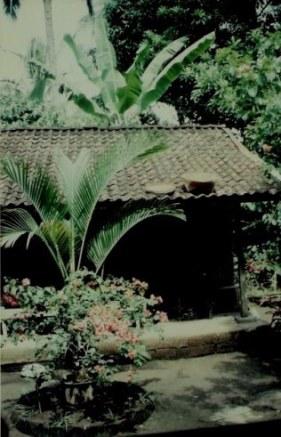 Courtyard of mountain village house in Bali