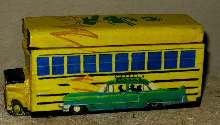 Cuban domino box with bus and green classic car