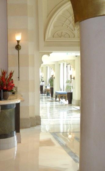Dubai Madinat Jumeirah Al Qasr hotel lobby