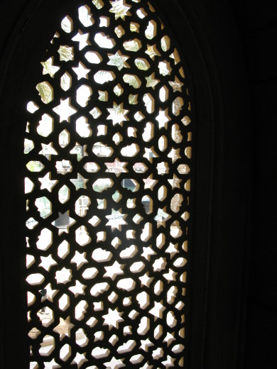 Dubai Madinat Jumeirah fretwork screen