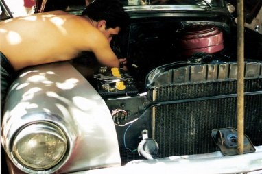 Engine repairs on classic Chevrolet - Viñales valley – Cuba