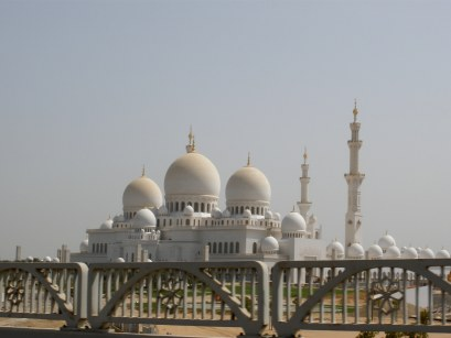 Grand Mosque Abu Dhabi from the road
