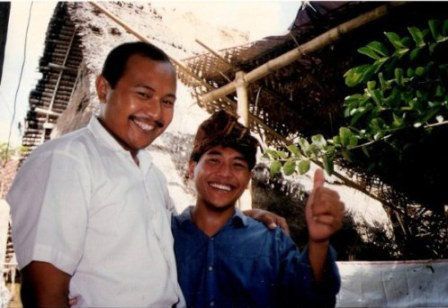 Happy guests at Bali village wedding