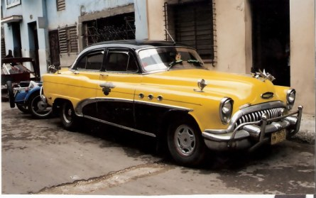 Havana-classic-car-with-chrome