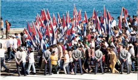 Havana-demonstration-on-Malecón-start