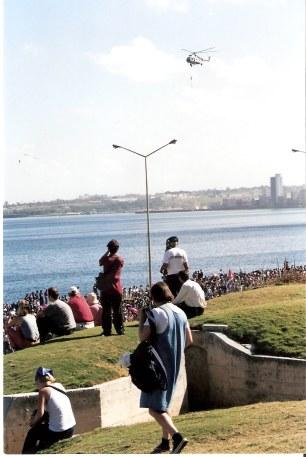 Havana-demonstration-on-Malecón-watchers-at-Hotel-Nacional