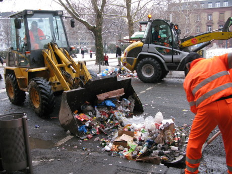 Mainz Carnival Parade Cleanup