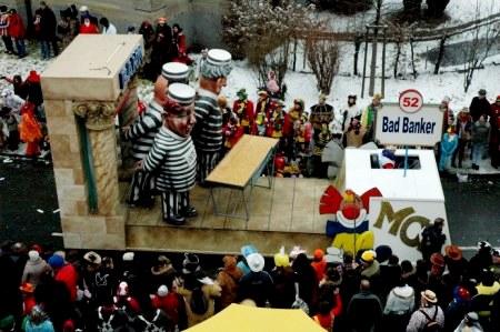 Mainz Carnival Parade Rosenmontag Bad Banker float