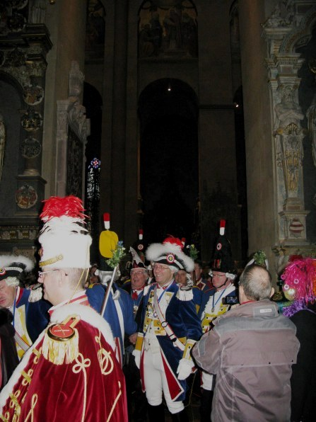 Mainz Carnival Sunday cathedral worshippers leaving
