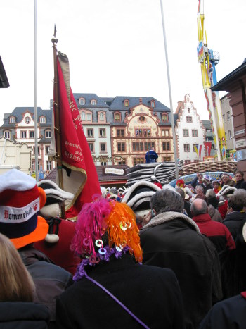 Mainz Carnival Sunday exit from cathedral