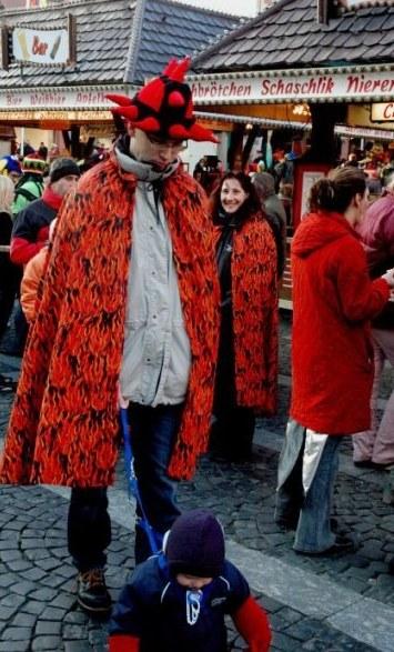 Mainz Fastnacht fiery costumes