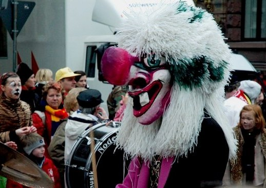 Mainz Fastnacht pink bear carnival costume