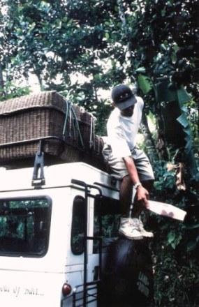 Paniers on roof of 4WD on Safari