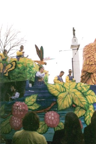 Parade float at Lee Circle New Orleans Mardi Gras