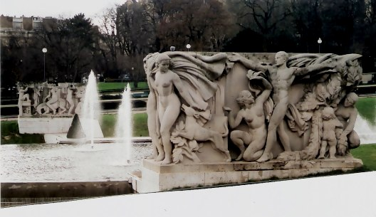 Block of statues beside the fountains in the Trocadéro Gardens Paris