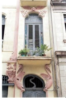 Pelican Art  Deco framing window in Havana