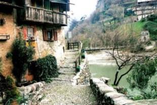 Ponte che Balla bridge house