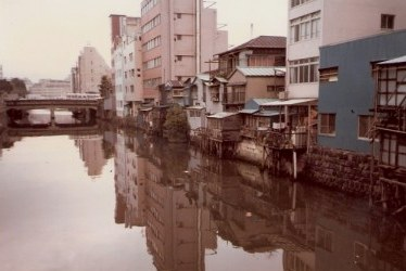 Riverside houses – Tokyo