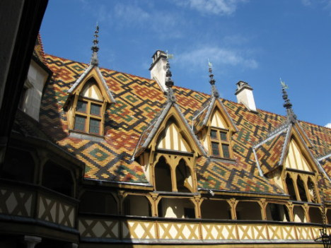Roofline patterns Hospices de Beaune