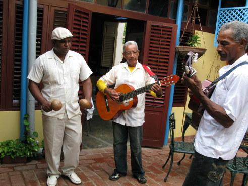 Son band Bar Esquerra Trinidad de Cuba