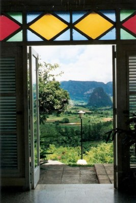 Stained glass framing view - Horizontes Los Jazmines Hotel - Pinar - Cuba