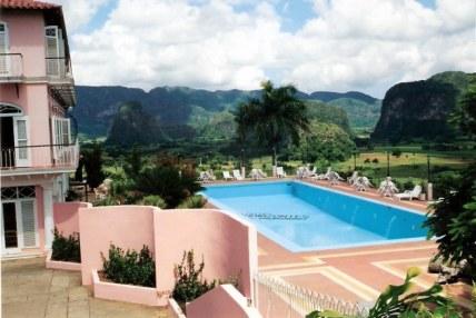 Suspended pool - Horizontes Los Jazmines Hotel –Pinar - Cuba