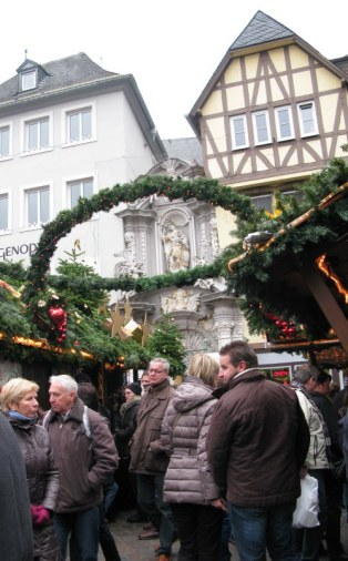 Trier Christmas Market arches