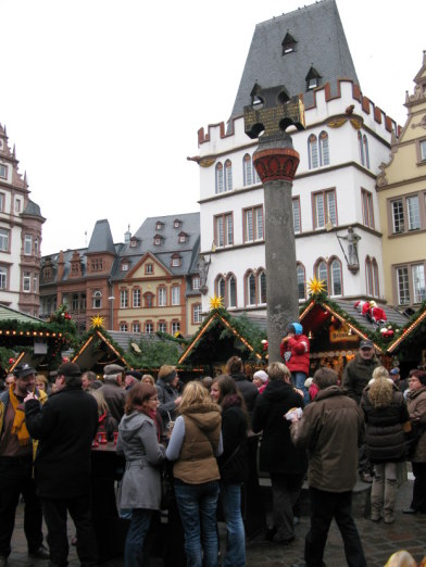 Trier Christmas Market around Market Cross