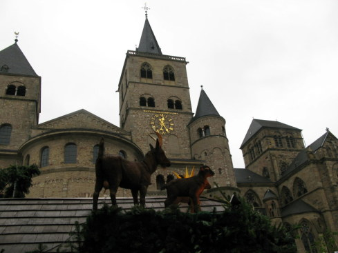 Trier Christmas Market with goats against cathedral