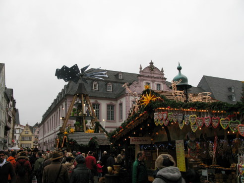 Trier Christmas Market with pyramid