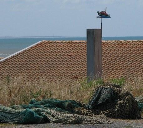 Île d'Oléron port of La Cotinière fishing boat wind vane
