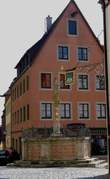Rothenburg ob der Tauber fountain