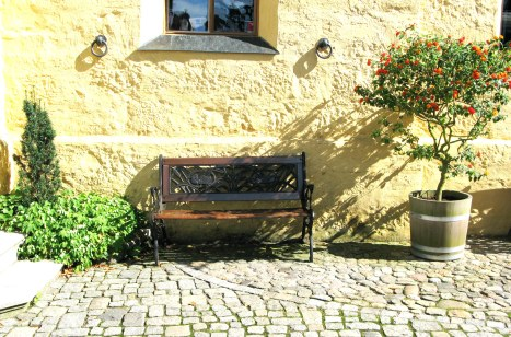 Courtyard seat Hohenschwangau Castle