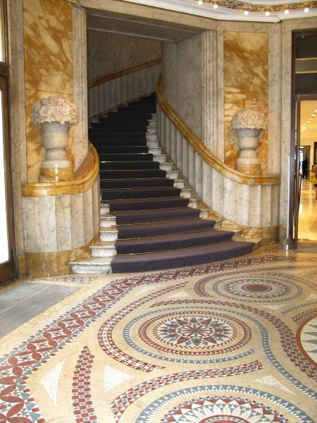 Entrance to Au Printemps Paris