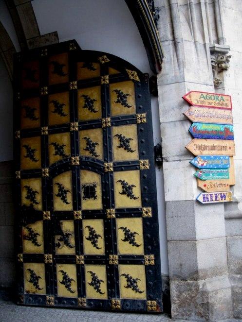 Gatekeeper door of the New Town Hall Marienplatz Munich