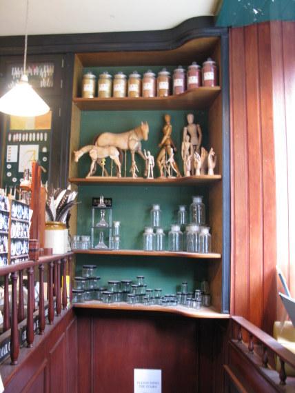 L. Cornelissen Artists Suppliers of Great Russell Street Bloomsbury London